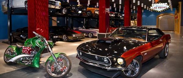 Francis Wisniewski's Vegas Themed Garage
